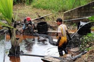 La petrolera ha vulnerado el ecosistema, dejando una infausta herencia a los pobladores oriundos.
